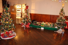 Tree Festival, Voting, Tamaqua Community Arts Center, Tamaqua, 12-4-2015 (5)