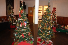 Tree Festival, Voting, Tamaqua Community Arts Center, Tamaqua, 12-4-2015 (6)