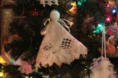 Tree Festival, Voting, Tamaqua Community Arts Center, Tamaqua, 12-4-2015 (70)