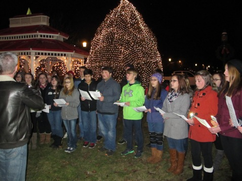 Tree Lighting, Spirit of Christmas Festival, Depot Square Park, Tamaqua, 12-6-2015 (29)