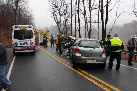 Two Vehicle Accident, near Middleport, US209, Blythe Township, 12-22-2015 (13)