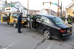motor-vehicle-accident-intersection-of-broad-street-greenwood-street-tamaqua-1-13-2017-8