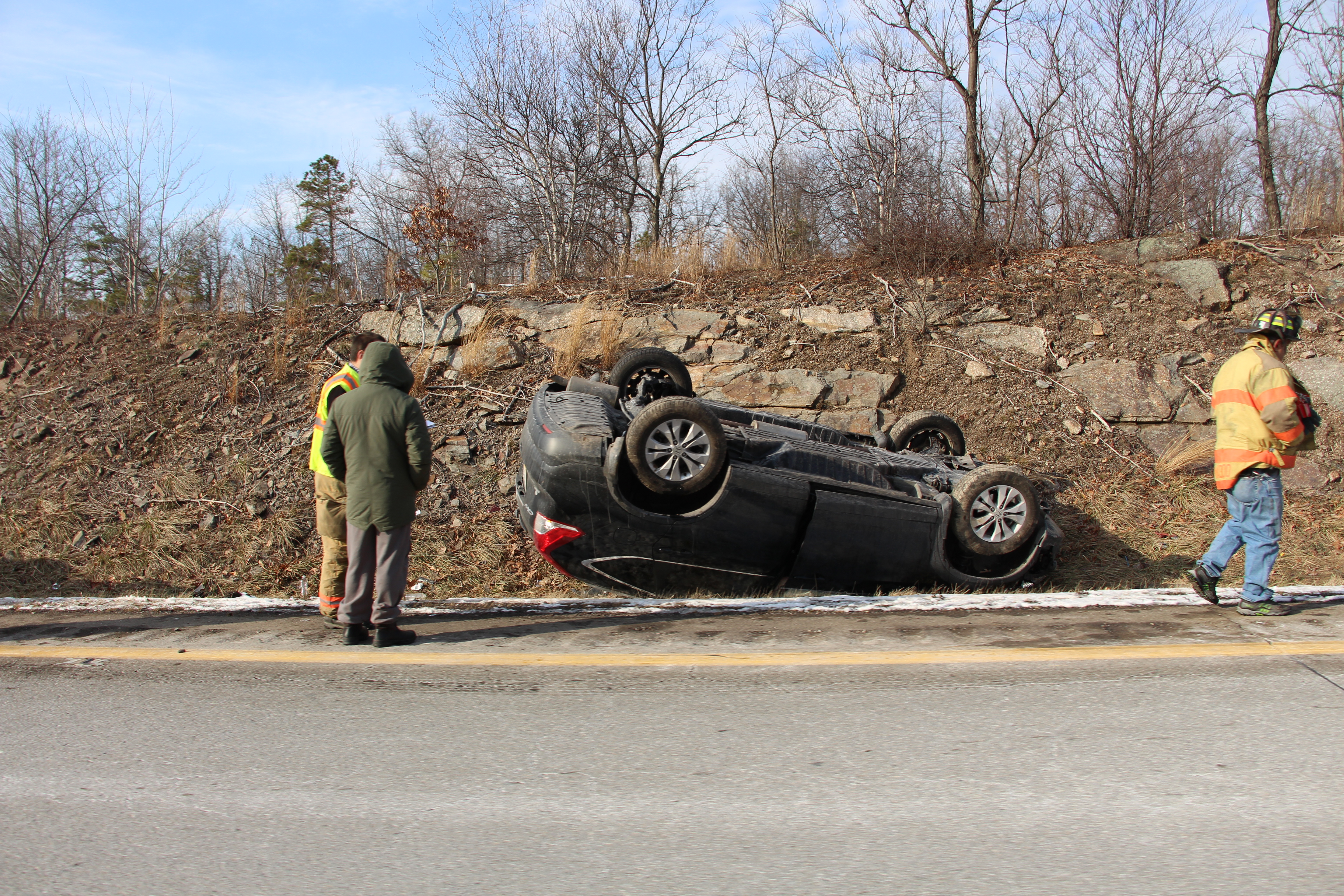 Vehicle rollover on Interstate 81