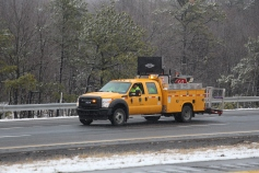 penndot-patching-pot-holes-interstate-81-near-frackville-1-25-2017-8