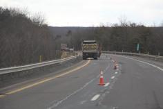 repairing-potholes-penndot-interstate-81-1-26-2017-9