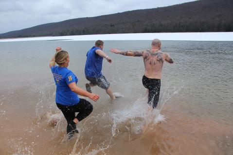 sjra-polar-plunge-mauch-chunk-lake-state-park-jim-thorpe-1-28-2017-108