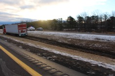 tractor-trailer-off-road-interstate-81-northbound-near-frackville-1-25-2017-6