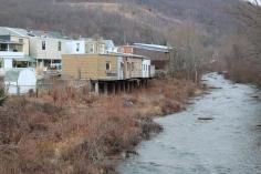 random-photo-homes-garages-over-little-schuylkill-river-tamaqua-2-5-2017-6