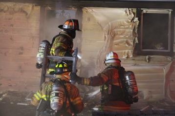 structure-fire-174-claremont-avenue-hometown-2-1-2017-93