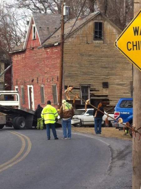 vehicle-into-building-franklin-township-2-5-2017